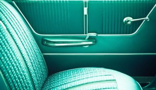 微软推出Classic Cars免费4K壁纸包:让你感受老式汽车的独特魅力